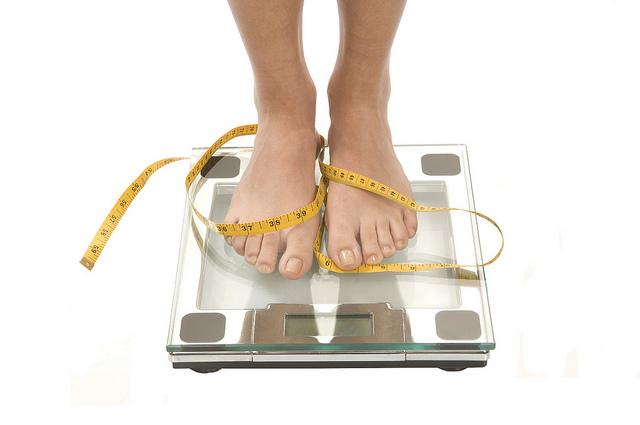 Egészséges fogyás étrendváltoztatással és testmozgással..